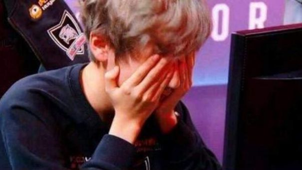 只知道Faker泪洒S7?细数那些曾被打哭的LOL职业选手